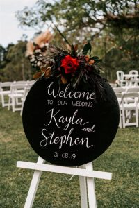 black round entry sign